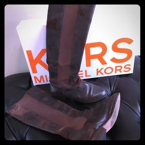 Kors,8m brown distressed suede riding boots